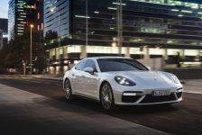 Porsche'den Cenevre'de dünya prömiyeri