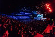 İstanbul Maslak Volkswagen Arena'da binlerce oyun sever bir araya geldi
