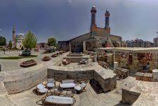 ZEVE, Sivas Kent Meydanı ve Tarihi Binaların Aydınlatma Projesine İmza Atıyor!